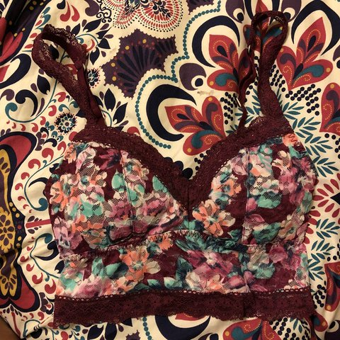a4dc6c1fcab28 Hollister Gilly Hicks lace bralette in burgundy multicolored - Depop