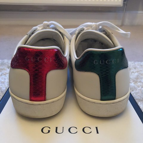 8dbec75f5ae Men s Gucci white leather embroidered bee ace with receipt