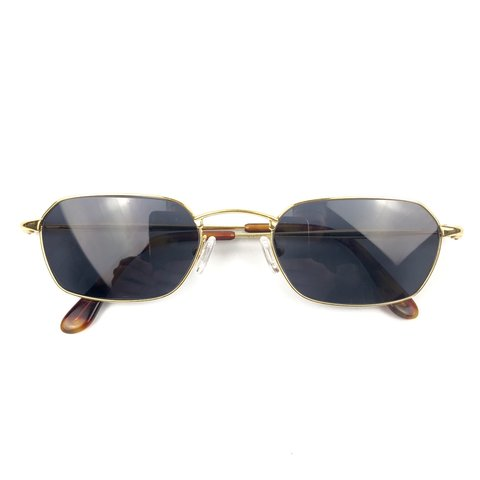 79395d2987 ... GG 2834 S Source · Vintage Gucci Sunglasses Gold frames Black Excellent    Depop