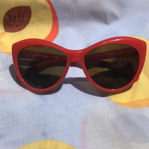 2500a7c91586 @sbsparks. last year. New York, United States. Tory Burch Cat Eye Frames. Super  hot 60's inspired ...