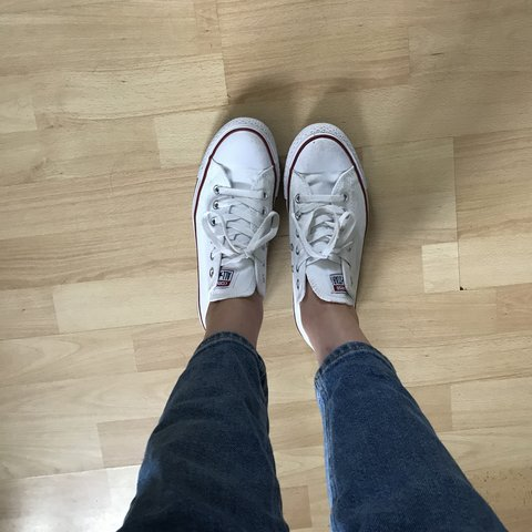 14f80893038256 White Converse All Star trainers ⭐ Size 7 Well worn but a - Depop