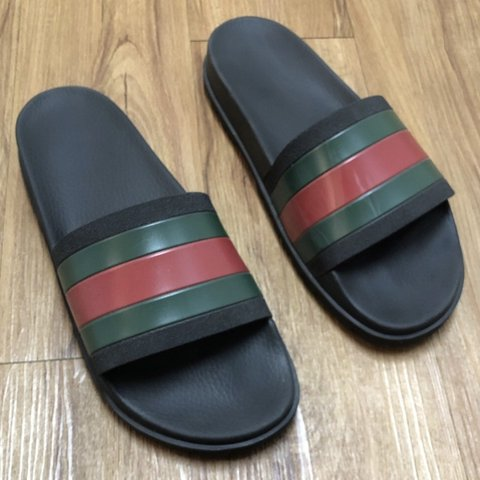 7d63f3d14 authentic gucci slides with original box! in good condition - Depop