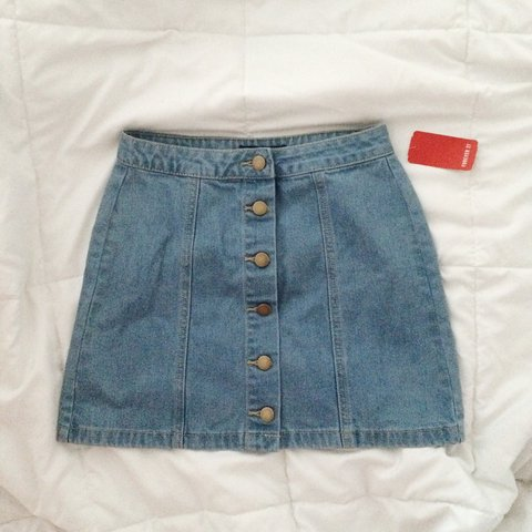 89f9c14dc3 @penelizabeth. 3 years ago. Los Angeles, CA, USA. ON HOLD Forever 21 Button-Front  Denim Skirt ...