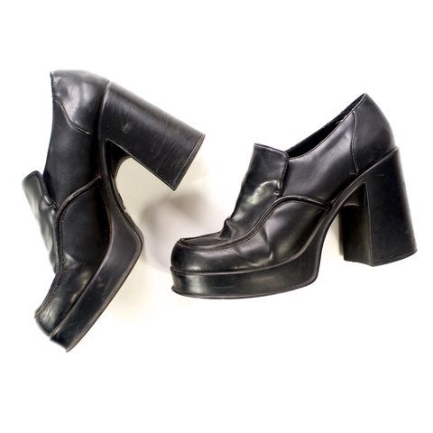 b6e19fe7398 Vintage 90s platform heels. Good vintage condition. Super - Depop