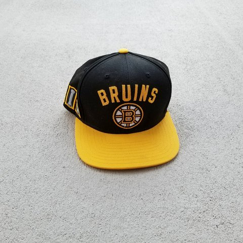 c0ca5a69022d3 Vintage Boston Bruins Snapback hat by CCMin the classic All - Depop