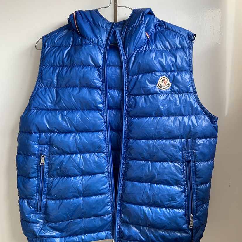 more photos 1e3dc a38f6 Moncler hooded body warmer Size 14 moncler but fits... - Depop