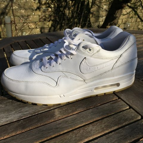 huge discount b06ce dc023  tomcrawf. 2 years ago. United Kingdom. NIKE. AIR MAX 1. LEATHER PA OSTRICH  PACK. WHITE   GUM SOLE.