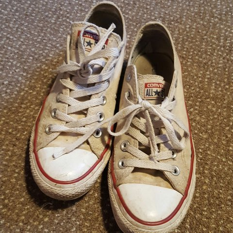 3f552a91ca3d Size 6 white cream low top converse all star trainers