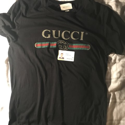f8c4fc1519cf Gucci logo tee t shirt. Size M 100% authentic from cruise on - Depop