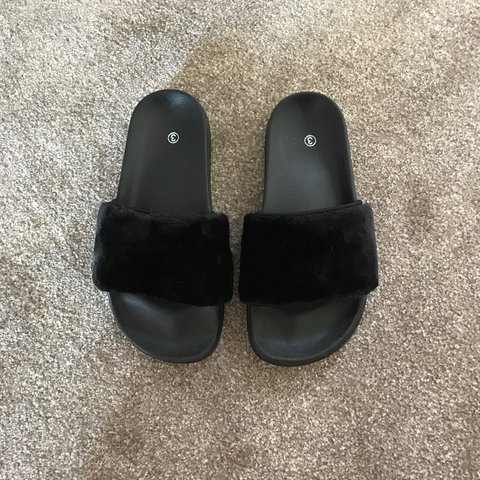 f394dafd9f07 black faux fur sliders • worn once or twice • perfect for or - Depop