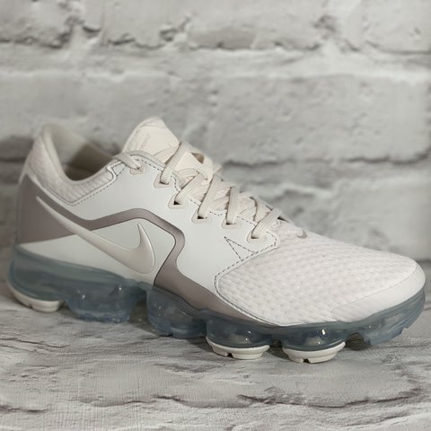 fe273260ecfdb Nike Air Vapormax in white (cream) rose gold silver UK 6   I - Depop
