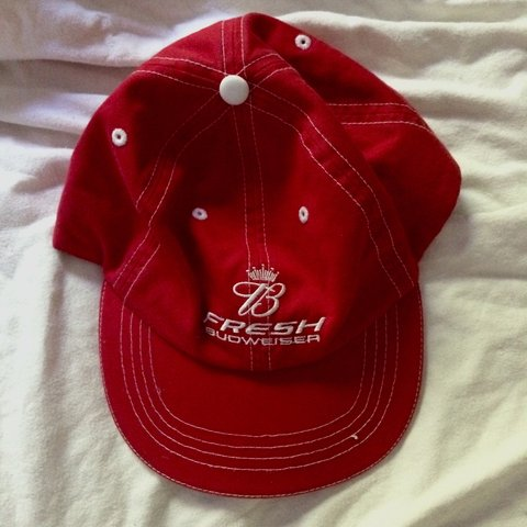 dc6c025025192 Budweiser baseball cap with white stitching and velcro Very - Depop