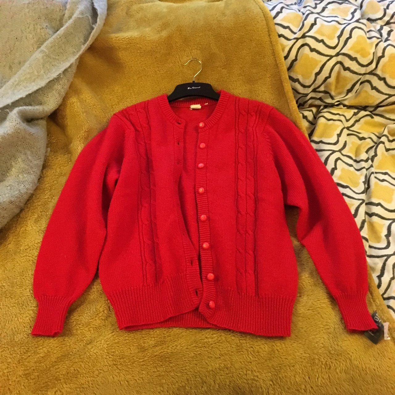 563b8f94af 100% wool vintage red cardigan. Adorable and super cosy. - Depop