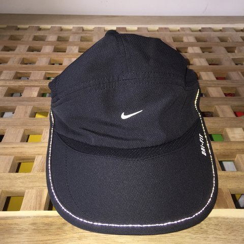 bc0181b3d9bc3 NIKE DRI FIT CAP. BOUGHT FOR £20. HMU WITH OFFERS IF UR LOOK - Depop