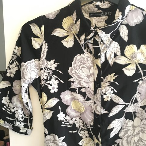 91cfb6dc3f03 Floral patterned jumpsuit. Never been worn
