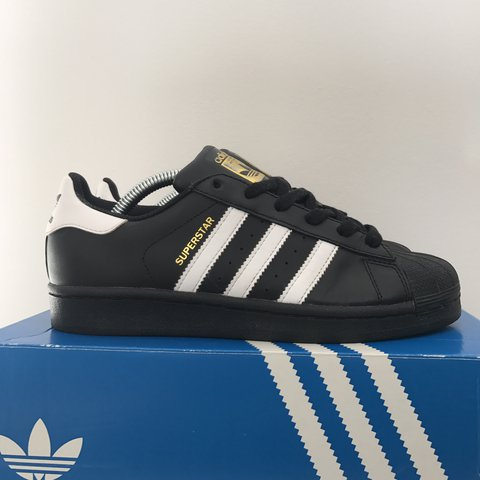 23601832607d Throwback Y2k 90s Adidas Originals Superstar Foundation   - - Depop