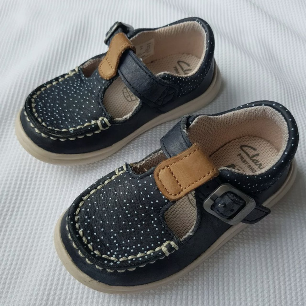 Clarks Baby Shoes - size 4F Crest Rosa