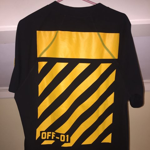 dc538ad7 @yawnathan38. 2 years ago. Exeter, NH 03833, USA. Off white X Moncler  Black/Yellow Tee shirt 10/10 brand new with tags.