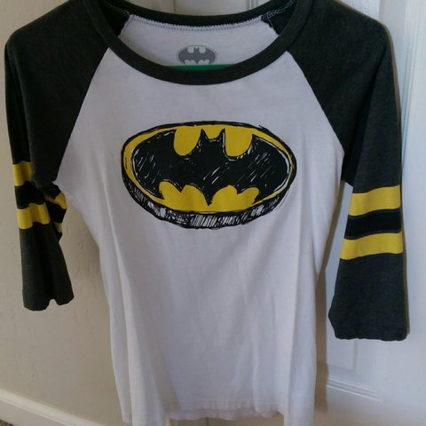 435ded83 @breegore. 3 years ago. Sanger, California, United States. Small Batman 3/4  sleeve. Only worn a few times