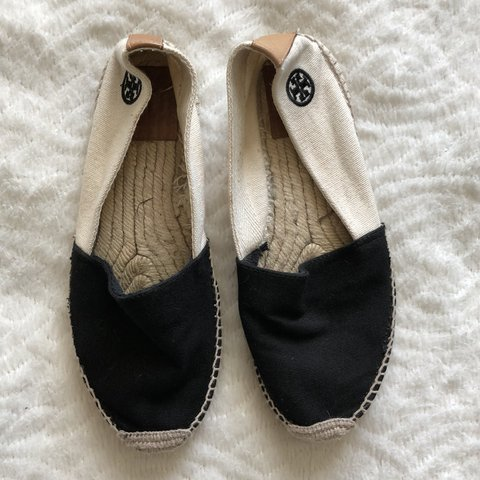 6e41a687bf20 Tory Burch espadrilles flats older size 7 good condition has - Depop