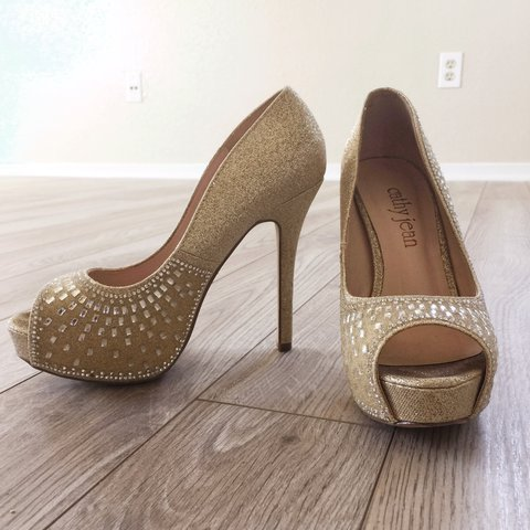 af53d021f4 @loveyahary. last year. California, USA. Party gold high heels. Bought in  Macy's