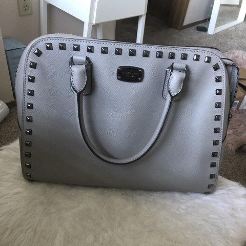 6ae979f2eaf2 MICHAEL KORS STUDDED SATCHEL LG GREY PURSE •• authentic kors - Depop