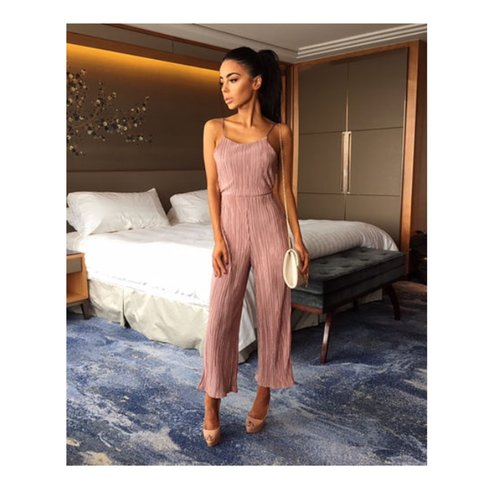 e182c7a45d7b Back in stock ! UK pleated rose jumpsuit ✨😍 size 6