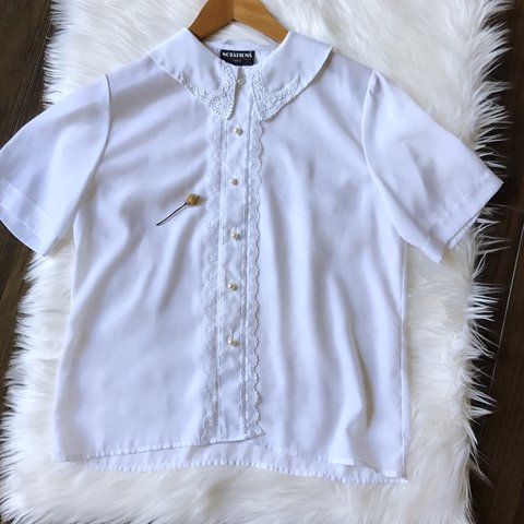 Beautiful vintage white polyester blouse with deep lace and - Depop daed7682327a