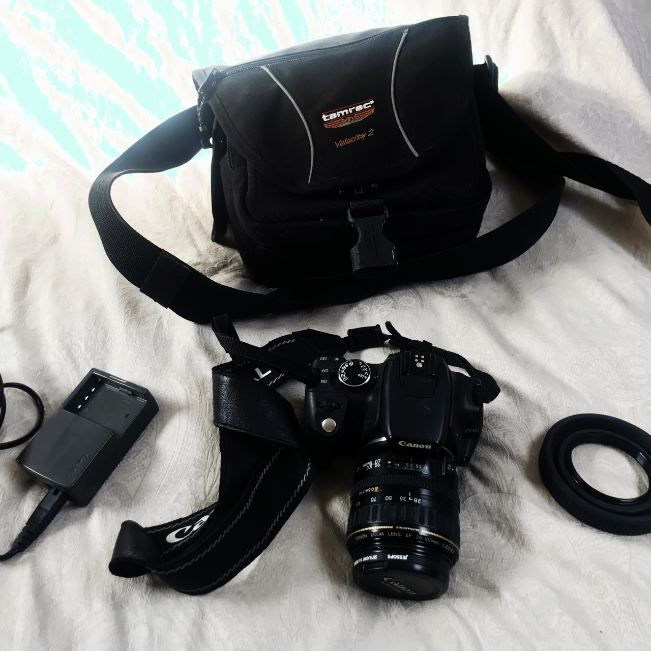 Canon DS126071  Everything perfect with accessories    - Depop