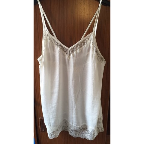 1588a3decd5 White lace detail cami top from Urban Outfitters (Pins   S   - Depop