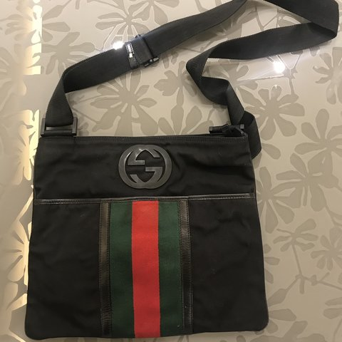 4f80c919f530 Gucci bag 100 % original Used Little scratches on the - Depop