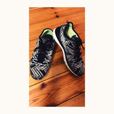 e9f83db9ca599 These Nike Free run 5.0 are in a fabulous black and white - Depop