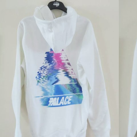 e5be367359d3 Palace White Tri smudge Hoodie Large Brand New. Never worn. - Depop