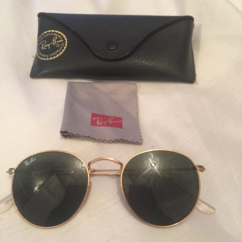 3ad77ec4ced6 RayBan Round Metal Sunglasses in Black/Green Lense and Gold - Depop
