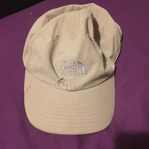 a3ca15fa77eb3b The North Face cap. A couple scruffs around the front good - Depop