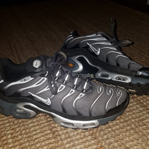 16eff48a49 Nike tns grey Great condition only worn a few times marks I - Depop