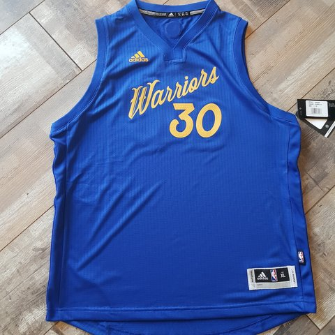 c5003c19fc5 Stephen Curry Golden State Warriors Jersey Size XL (youth). - Depop