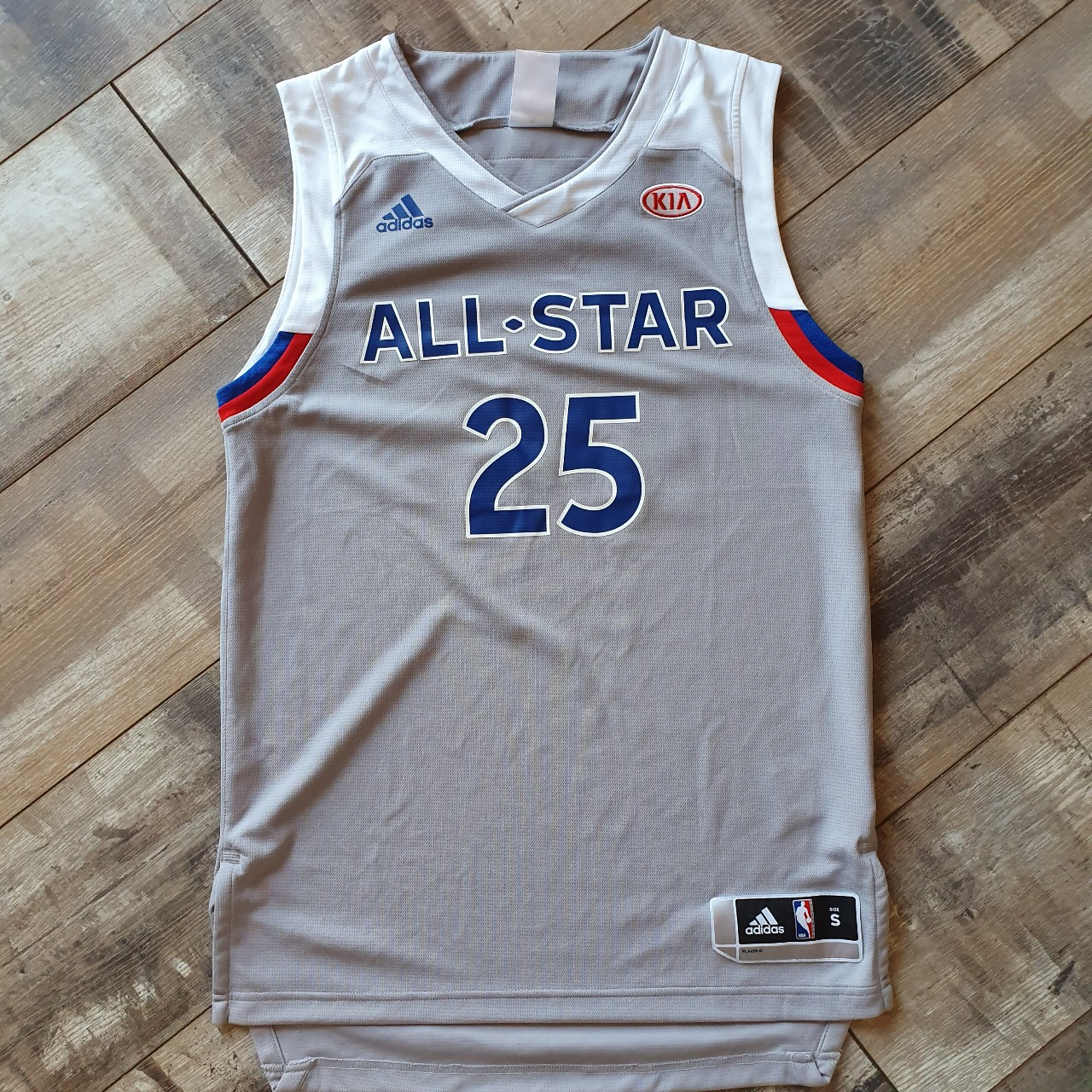 new arrival e338b 361fb Derrick Rose 2017 All Star Jersey Size Small *OPEN... - Depop