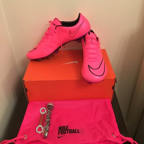 f55d7e094437 @tmsales. 3 years ago. Featherstone, Pontefract, West Yorkshire, UK. Brand  new//ACC Nike mercurial Vapor X sg-pro football boots//Size ...