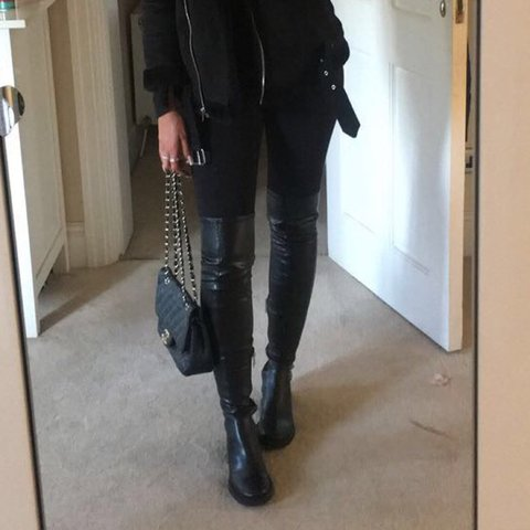 b68d04e8f02 MESSAGE BEFORE BUYING. Zara SOLD OUT knee high  over the out - Depop