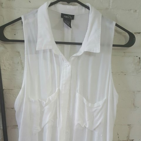 a8404caa7 @cdigregorio. 3 years ago. Beverly, Massachusetts, United States. Size  Large white sleeveless button down blouse.