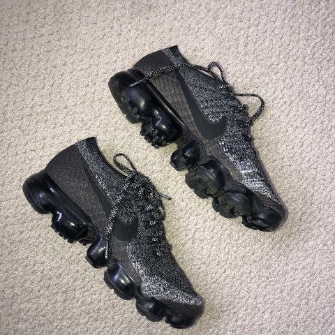 7de57463ce10 Nike vapormax size 4 37 Worn but in perfect condition! Paid - Depop