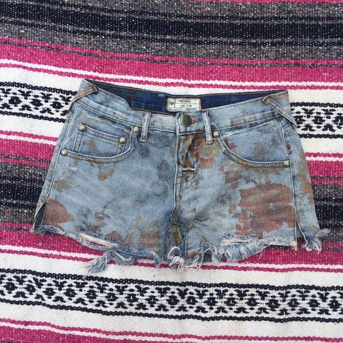c05fcc1898 @alexamae. 3 years ago. Wisconsin, USA. Free people Xs 24inch floral denim  shorts