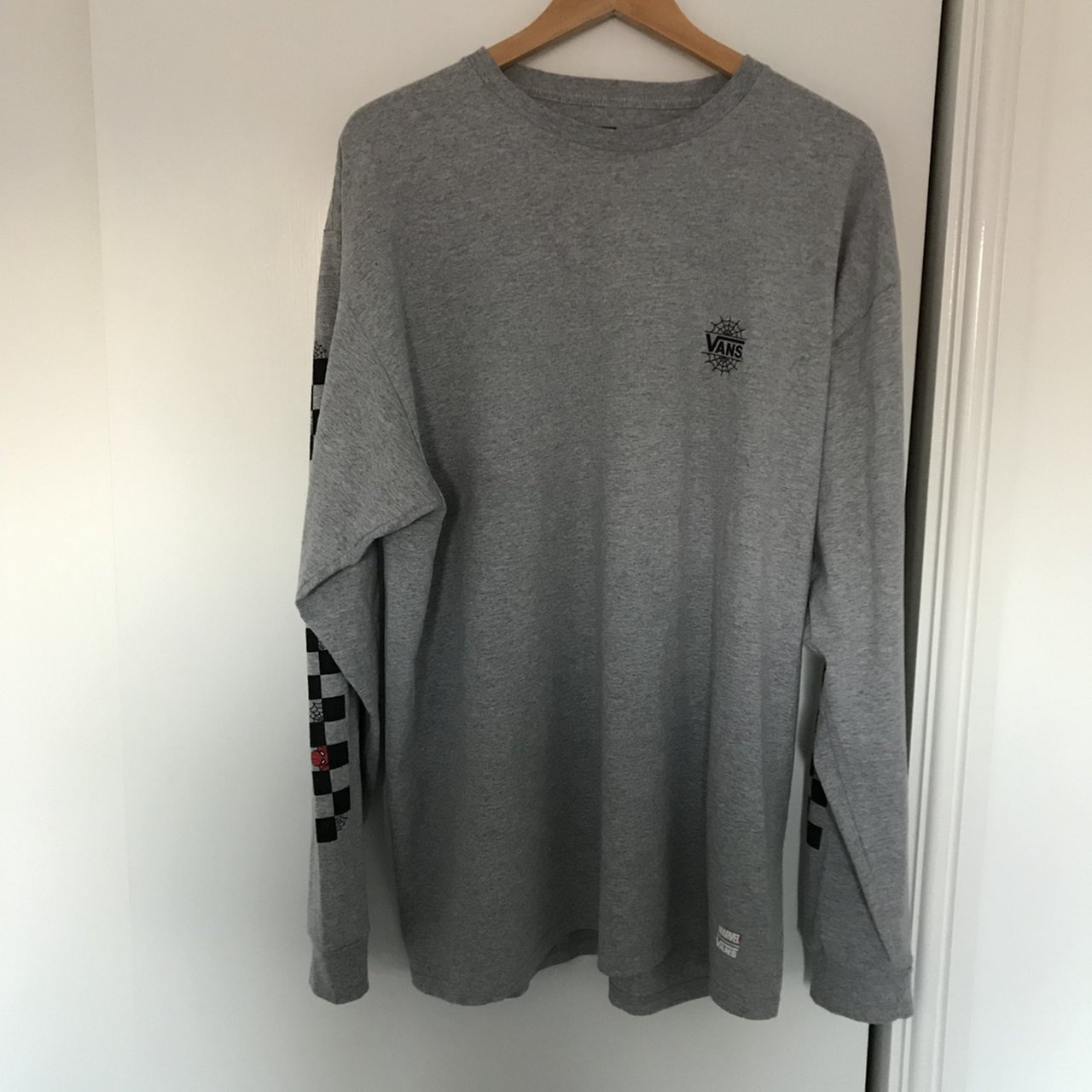 6f29040e426 Vans x Marvel long sleeve Spider-Man Top in grey Brand new - Depop