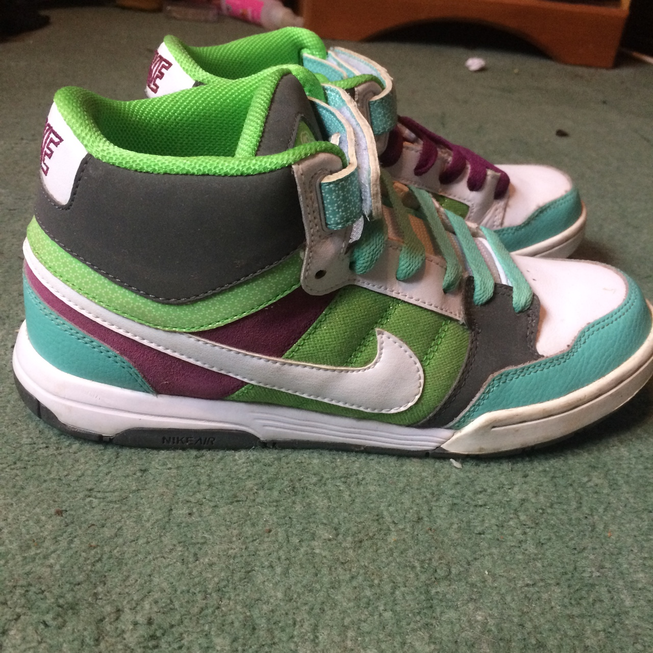 old school nike shoes high tops