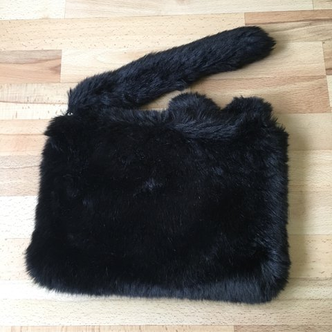 Weird furry cat clutch bag Excellent postage available - Depop b6dfde0883ddc