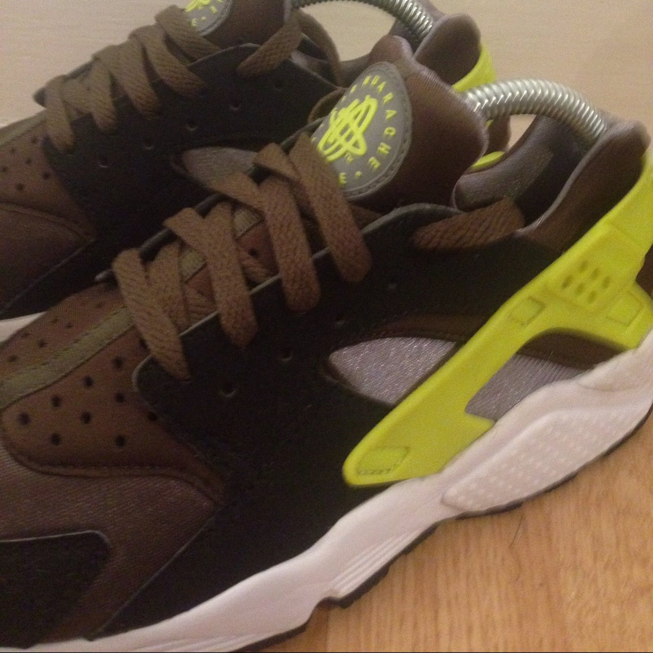 8796e997d1125 Nike air huarache in 10 10 condition hardly worn. Volt No - Depop