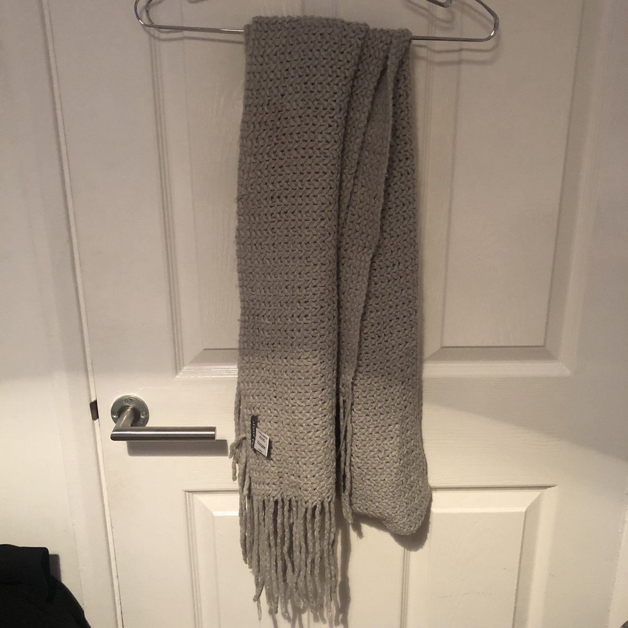 55aa7805165d8 Knitted grey scarf from Laura
