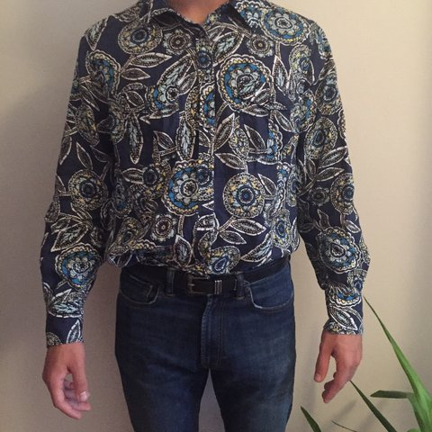 311d719943 Amazing vintage long sleeved blue patterned shirt. Looks or - Depop