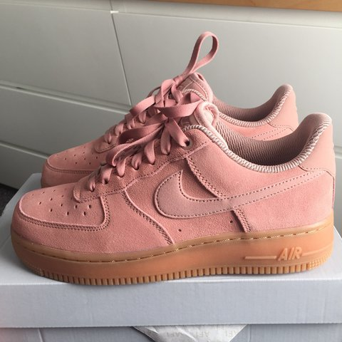 quality design 84a6c 39098  h17xx. 2 years ago. United Kingdom. Nike women s Air Force 1 07 SE pink ...